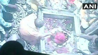 काशी विश्वनाथ मंदिर में सीएम योगी ने की पूजा, कहा- काशी का खोया गौरव विश्व पटल पर लाएंगे