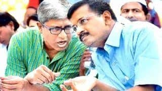Arvind Kejriwal Rejects AAP Leader Ashutosh's Resignation in a Dramatic Way, Says 'How Can we Ever Accept Your Resignation?'