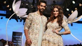 After Kareena Kapoor, Neha Dhupia Rocks The Ramp With Pregnant Belly in Lakme Fashion Week 2018, See Most Adorable Moments From Ramp Walk