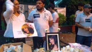 Delhi Air Hostess Death: Anissia's Batra Family, Friends Hold Candlelight March at Jantar Mantar, Demand Justice