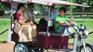 Raksha Bandhan 2018: रविवार को दिल्ली में महिलाएं मुफ्त में कर सकेंगी ई-रिक्शा की यात्रा