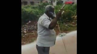 Andhra Pradesh: Desi Rocket Man Lights 11 Firecrackers With a Cigarette in His Mouth, Watch Viral Video
