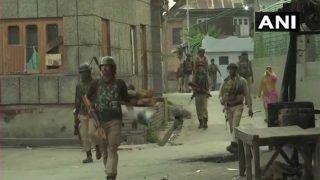 जम्मू-कश्मीर में आतंकियों से मुकाबले में पुलिसकर्मी शहीद, 2 दहशतगर्द अरेस्ट