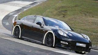 Next-generation Porsche Panamera spied for the first time
