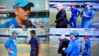 Asia Cup 2018 Match Super Four, India vs Afghanistan Match 5: In Absence of Rohit Sharma, MS Dhoni Walking Out as Captain Receives Rousing Reception -- WATCH