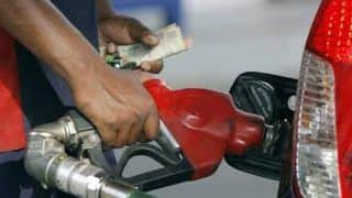 Common Man Continues to Bear Brunt of Rising Fuel Prices; Petrol Reaches Rs 82.22 in Delhi, Rs 89.60 in Mumbai