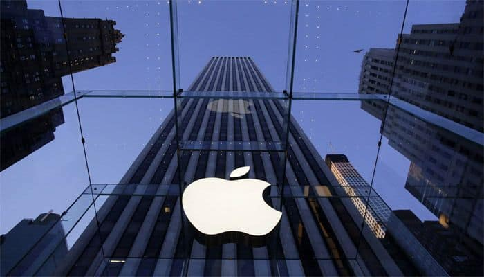 Apple AR Headset Could Arrive Next Year, Analyst Claims