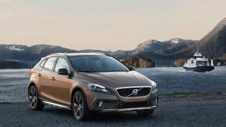 Volvo V40 Cross Country headed to India; Launch likely by March 2013