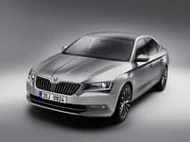 Skoda Superb 2016 spied testing in India: Launch likely at 2016 Delhi Motor Show