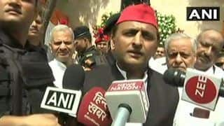 Lok Sabha 2019 Elections: Akhilesh Congratulates Telangana Chief Minister KC Rao For Holding Talks For Non-BJP, Non-Congress Front; to Visit Him in Hyderabad Soon