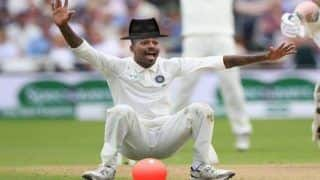 India vs England 2018: Twitter World Trolls All-Rounder Hardik Pandya For New Selfie; Netizens Calls Him Joker, Suggests Him to Join Modelling