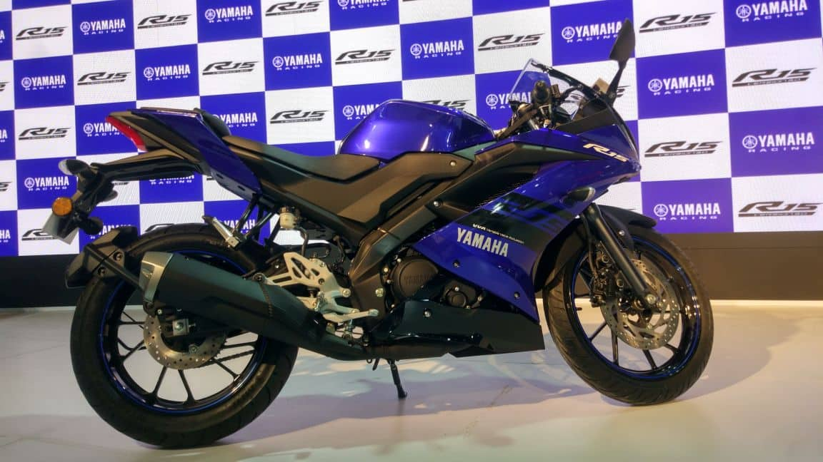Yamaha R15 V3: Price in India, Top Speed, Mileage, Colour