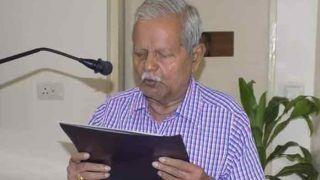 हिंदी दिवस 2018: सरकारों से बिंदी के लिए भिड़ जाते हैं, 80 की उम्र में 'हिंदी के योद्धा' बने हुए हैं मंज़र