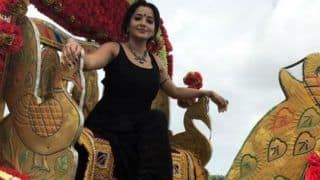 Bhojpuri Hot Bomb And Nazar Fame Monalisa Aka Antara Biswas Looks Sexy as She Strikes a Pose on a Chariot - View Picture