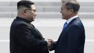 Moon Jae-in, Kim Jong-un Hold First Round of Talks in Pyongyang