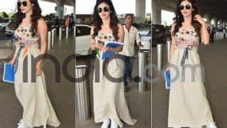 Naagin And Gold Actress Mouni Roy Looks Sizzling Hot in a Crop Top And Long Skirt; See Her Latest Airport Pics