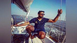 हिंद महासागर की तूफानी लहरों के बीच नौका पलटी, नेवी ऑफिसर बुरी तरह घायल