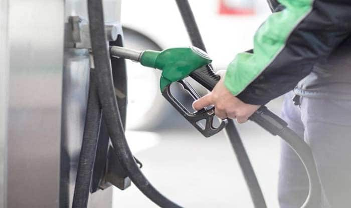 Petrol prices continue to rise; Rs 89.80 in Mumbai