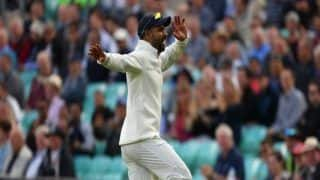 India vs England, 5th Test at Oval: Shikhar Dhawan Entertains Crowd With Crazy Bhangra Steps, Harbhajan Singh Joins Him From Commentary Box | Watch