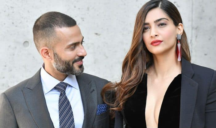 Sonam Kapoor Looks so Hot in Her Latest Pics That Hubby ...