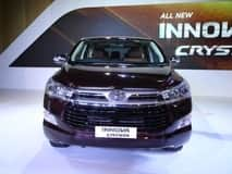 2016 Toyota Innova Crysta Launched in India at INR 13.84 lakh