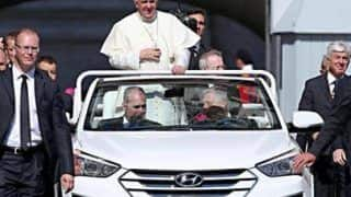 Pope Francis replaces Mercedes G-Wagen with a drop top Hyundai Santa Fe for Popemobile
