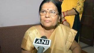 बिहार की पूर्व मंत्री के पति को पकड़ने के लिए सीबीआई ने कई जगह में छापे मारे