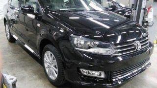 Volkswagen Vento facelift 2015 launching next month; features & specs