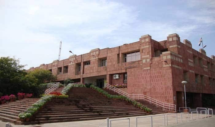 JNU Students Barge Into Vice-Chancellor's House in Protest Against New Admission Policy: Reports