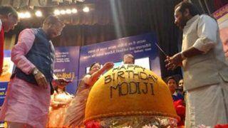 पीएम मोदी का बर्थडे: इन दो मंत्रियों ने 568 किलो के लड्डू काटकर किया सेलिब्रेट