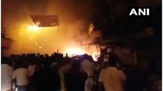 कोलकाता के बागड़ी मार्केट में लगी आग, फायर ब्रिगेड की 30 गाड़ियां मौके पर