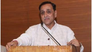 Chhath Puja 2018: Gujarat CM Vijay Rupani Inaugurates Chhath Puja Ghat; Reaches Out to Bihari Migrants by Offering Help in Building Temple of Sun