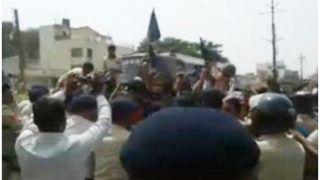 मध्य प्रदेश: SC/ST एक्ट का विरोध करने पर लाठीचार्ज, पुलिस पर पत्थरबाजी, कई घायल