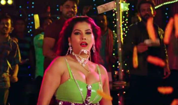 Sexy bhojpuri item