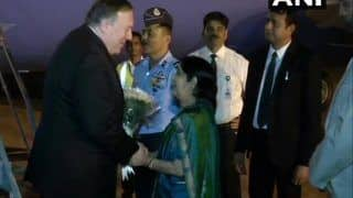 पाकिस्तान से होते हुए भारत आए अमेरिकी विदेश मंत्री पोम्पिओ, सुषमा स्वराज ने किया रिसीव