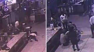 CISF Personnel Saves Life of Passenger Who Suffers Heart Attack at Mumbai Airport; Video Goes Viral - Watch
