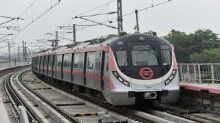 मेट्रो ट्रैक पर गिरा पैसा तो उठाने के लिए कूद गई महिला, इसके बाद ये हुआ