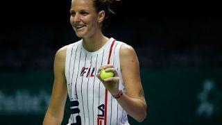 WTA Finals: Karolina Pliskova Stuns Defending Champ Caroline Wozniacki