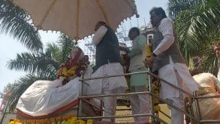 अमित शाह इंदौर पहुंचे, प्रदर्शनकारी हिरासत में, आयोजन से मीडिया को रखा दूर