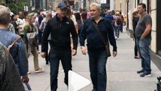 न्यूयॉर्क की सड़कों पर टहलते नज़र आए अनुपम खेर-ऋषि कपूर, शेयर किया VIDEO