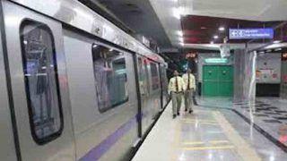 'हम खुद खरीद कर पीते हैं, यात्रियों को कहां से दें' मेट्रो स्टेशनों पर मुफ्त पानी के सवाल पर डीएमआरसी का जवाब