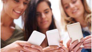 भारत में तेजी से बढ़ रहा है स्मार्टफोन बाजार, सबसे ज्यादा ऑनलाइन बिक रहे हैं फोन