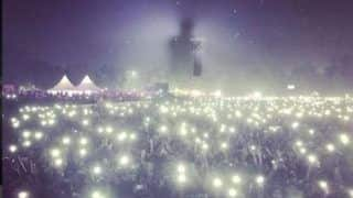 Bryan Adams Shares a Picture From Concert Venue And it Highlights Delhi Pollution