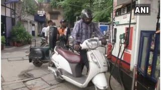 Fuel Prices Witness Yet Another Cut; Petrol at Rs 78.21 Per Litre in Delhi, Rs 83.72 Per Litre in Mumbai