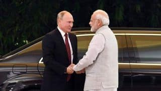 Modi Welcomes Putin With Warm Hug And Dinner; India, Russia Set to Sign S-400 Defence Deal Despite US' Sanctions Threat