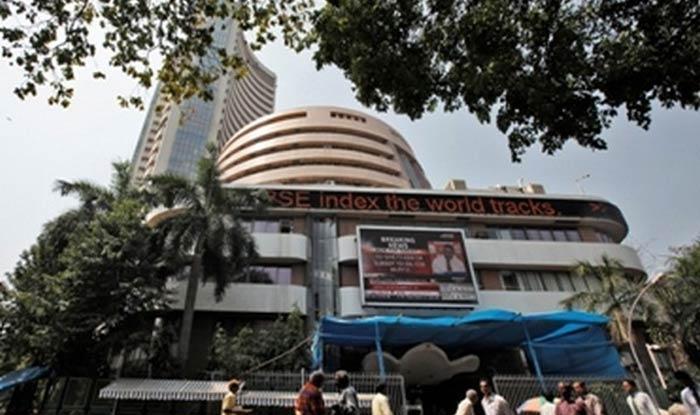 Sensex Dips Over 900 Points
