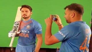 India vs Australia 1st T20I Brisbane: Rohit Sharma Turns Cameraman For Manish Pandey's Shoot Ahead of Gabba Tie | WATCH