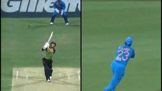 India vs Australia 1st T20I Brisbane: Kuldeep Yadav Takes A Brilliant Catch to Dismiss D'Arcy Short of Khaleel Ahmed's First Ball | WATCH