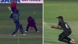 Pakistan vs New Zealand 2nd ODI Abu Dhabi: Shoaib Malik Smashes Henry Nicholls With a Full-Blooded Pull, Gets Out in Bizarre Fashion -- WATCH