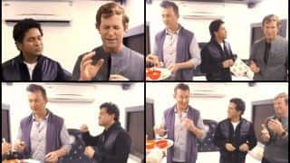 Sachin Tendulkar, Brett Lee And Jonty Rhodes Get Together, Have Sweets to Celebrate Diwali -- WATCH